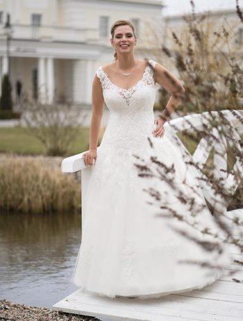 Brautmoden Balz-Medina-1_Brautmode_Lohrengel_Brautkleid_Molly-Monroe